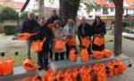 CDU-Ortsverband spendete 50 Gießkannen für den Maudacher Friedhof