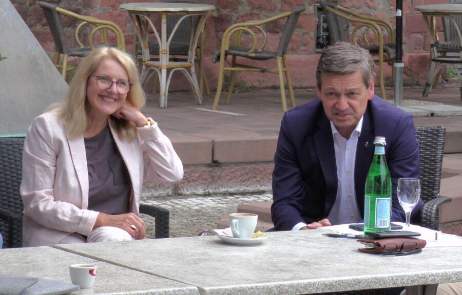 Christian Baldauf und Marion Schneid auf Sommertour durch Ludwigshafen (mit Videobericht)